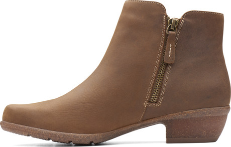 Wilrose Frost Tan Quarks Shoes